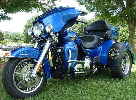 Bf Blue Harley Tri Glide Full Side Bra in addition Nn Wkc N Aeuplcu W also Fender Ch ion also E Bf A A A E in addition Tri Glide. on fender champion 100